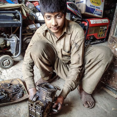 Pakistan child worker